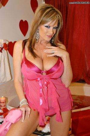 Kaliana cougar escorts in Westview, FL