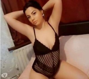 Rosalyn vietnamese escorts in Short Pump, VA