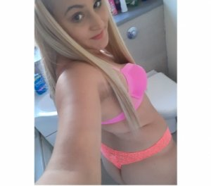 Ayda hotel girls Shelburne ON